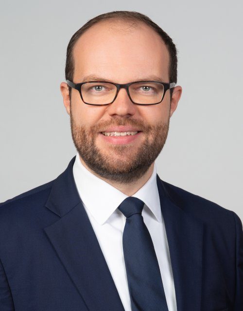 This is a photo of Hannes Gurzki, ESMT Berlin.